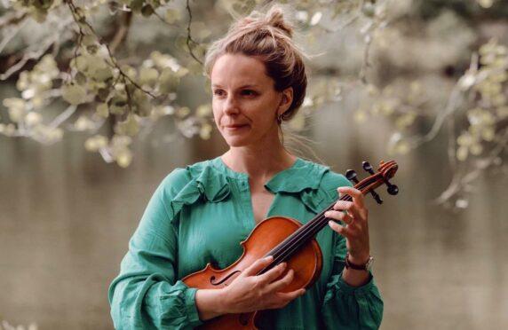 Fiddler Lauren MacColl