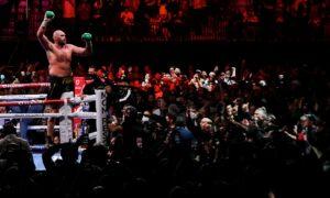 Tyson Fury wins the WBC heavyweight title in Las Vegas last week