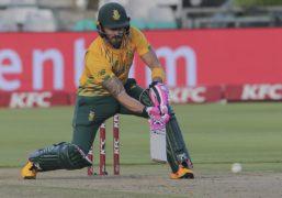 Faf Du Plessis (pictured) shared a great partnership with Rassie van der Dussen (AP Photo/Halden Krog)