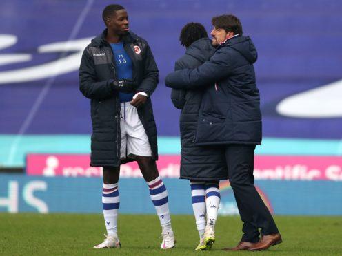 Reading manager Veljko Paunovic celebrates with his players at full-time (Steve Parsons/PA)