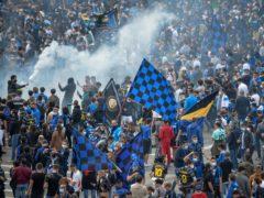 Inter Milan fans celebrate in the city (Claudio Furlan/LaPresse via AP)