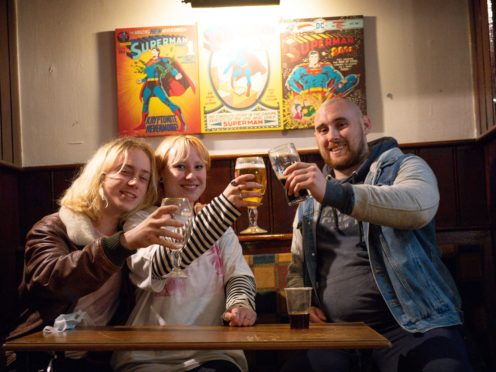 Customers at the The Oak Inn in Coventry, West Midlands (Jacob King/PA)