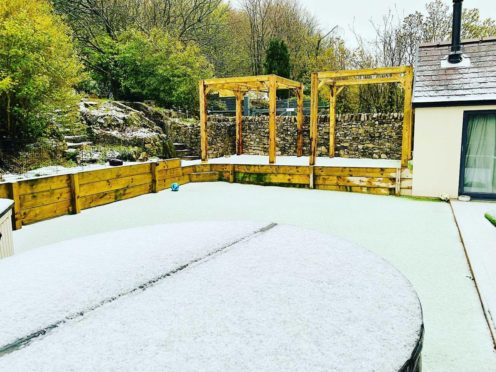 Snow has hit parts of north-west England (Lisa Edwards/Twitter)
