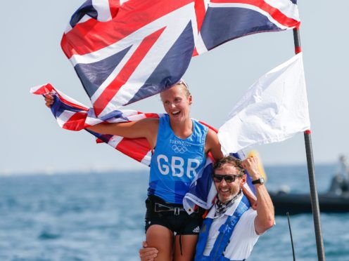 Emma Wilson celebrates her bronze medal (PA via DPA)