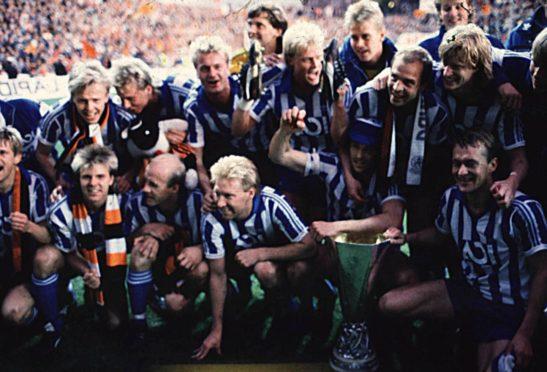 Gothenburg celebrate after beating Dundee United.