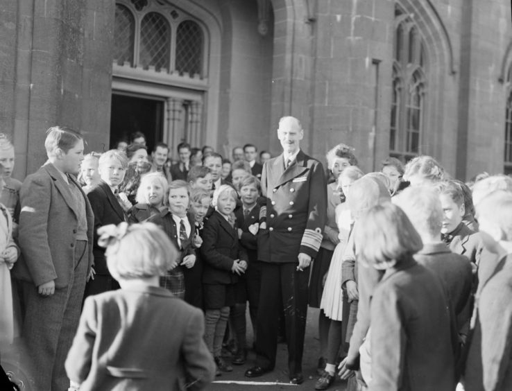 King Haakon at the Norwegian school at Drumtochty Castle during the war.