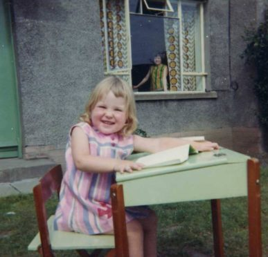 Lorraine growing up in Fintry.