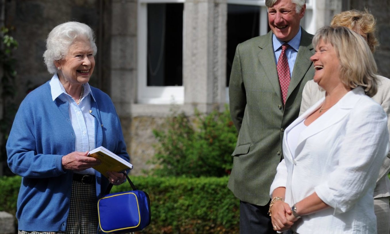 The Queen received a Sandpiper Cookbook from Claire Maitland in 2008.