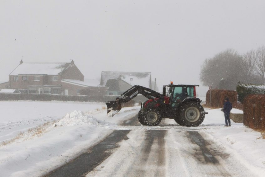 Farmers support the Angus winter roads effort