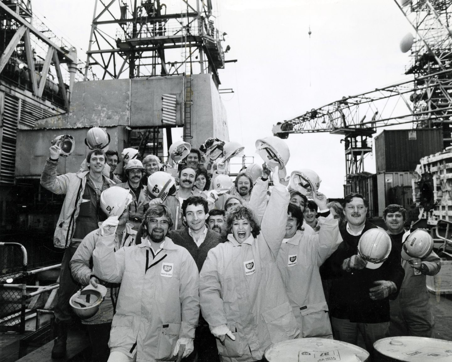 Barbara Dickson and Noel Edmonds visited an oil rig in the 1980s.