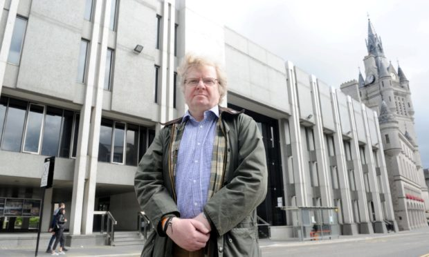 Councillor Ian Yuill said his three-man Liberal Democrat group would not vote through Councillor Ryan Houghton's council co-leadership