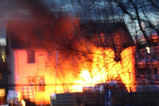 Dundee fire south road