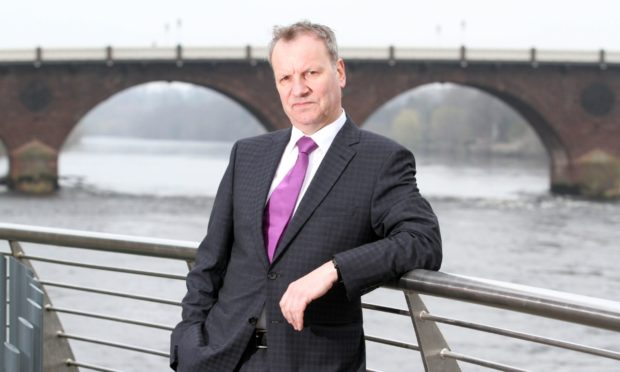 Pete Wishart, who is chairing inquiry into Scottish airports.