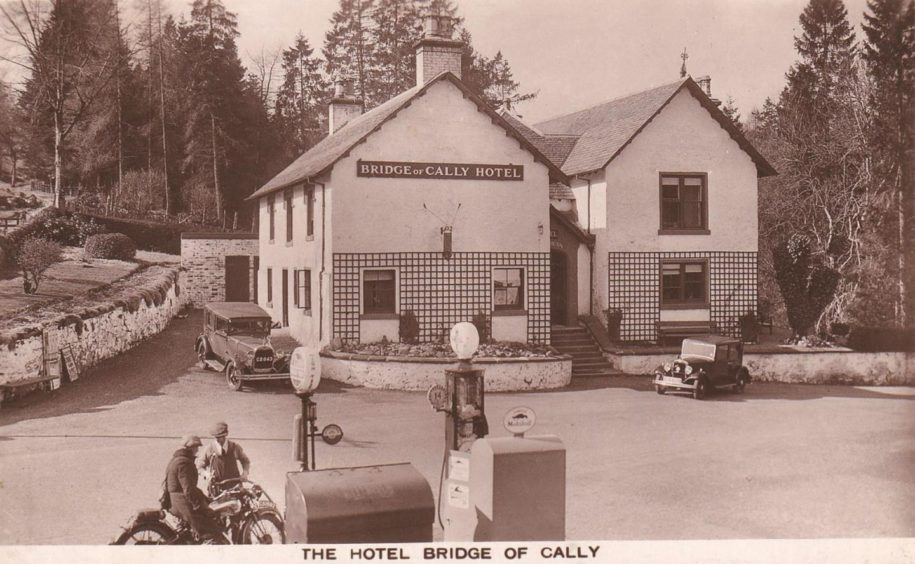 An old picture of the Bridge of Cally Hotel.