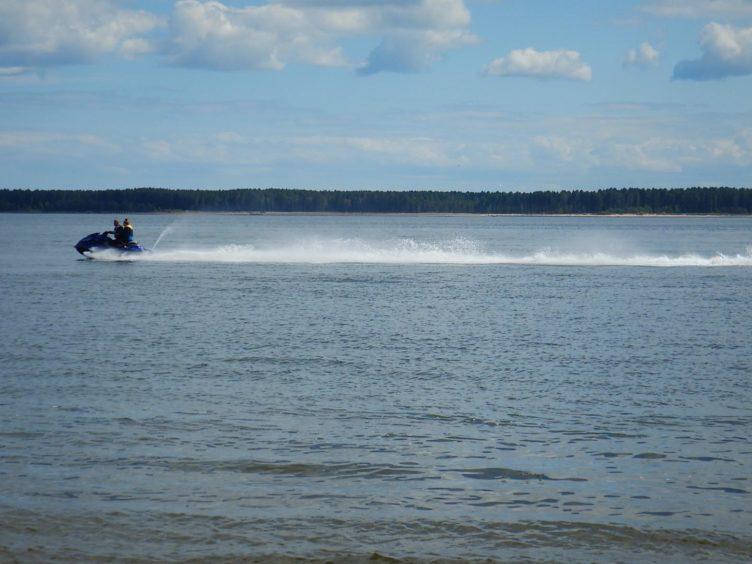 jet-skiers Broughty Ferry