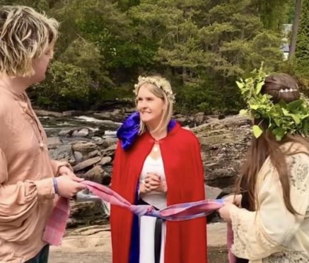 the handfasting ceremony