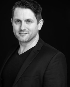 Dundee Actor Grant headshot