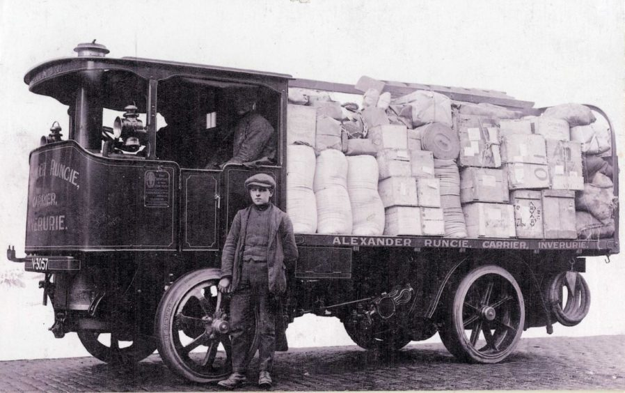 The steam waggon Sentinel, owned by Alexander Runcie of Inverurie, appeared on a 1914 Christmas card.