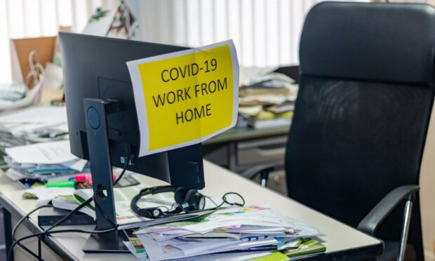 Home working sign during the Covid crisis