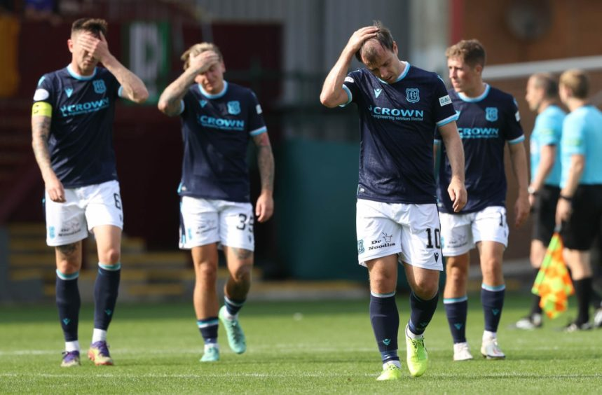 Dundee trudge off at Motherwell.