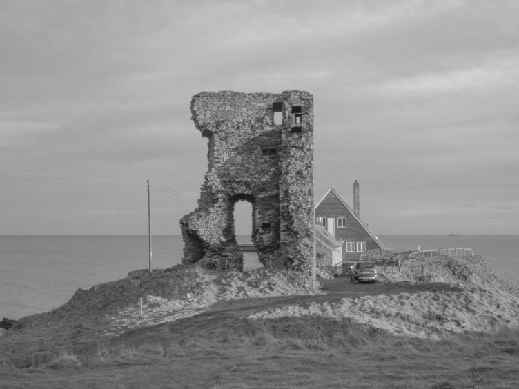 The original Slains Castle building was destroyed by gunpowder.
