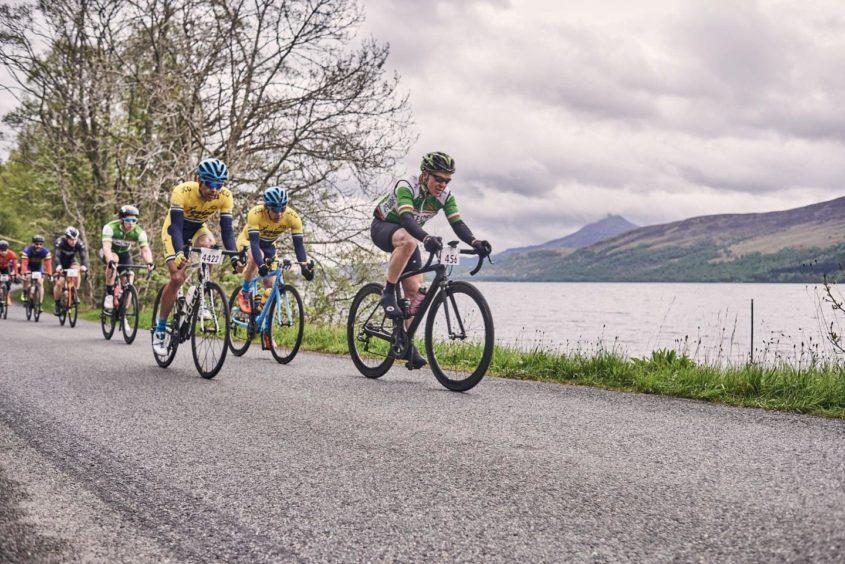 cyclists married etape caledonia