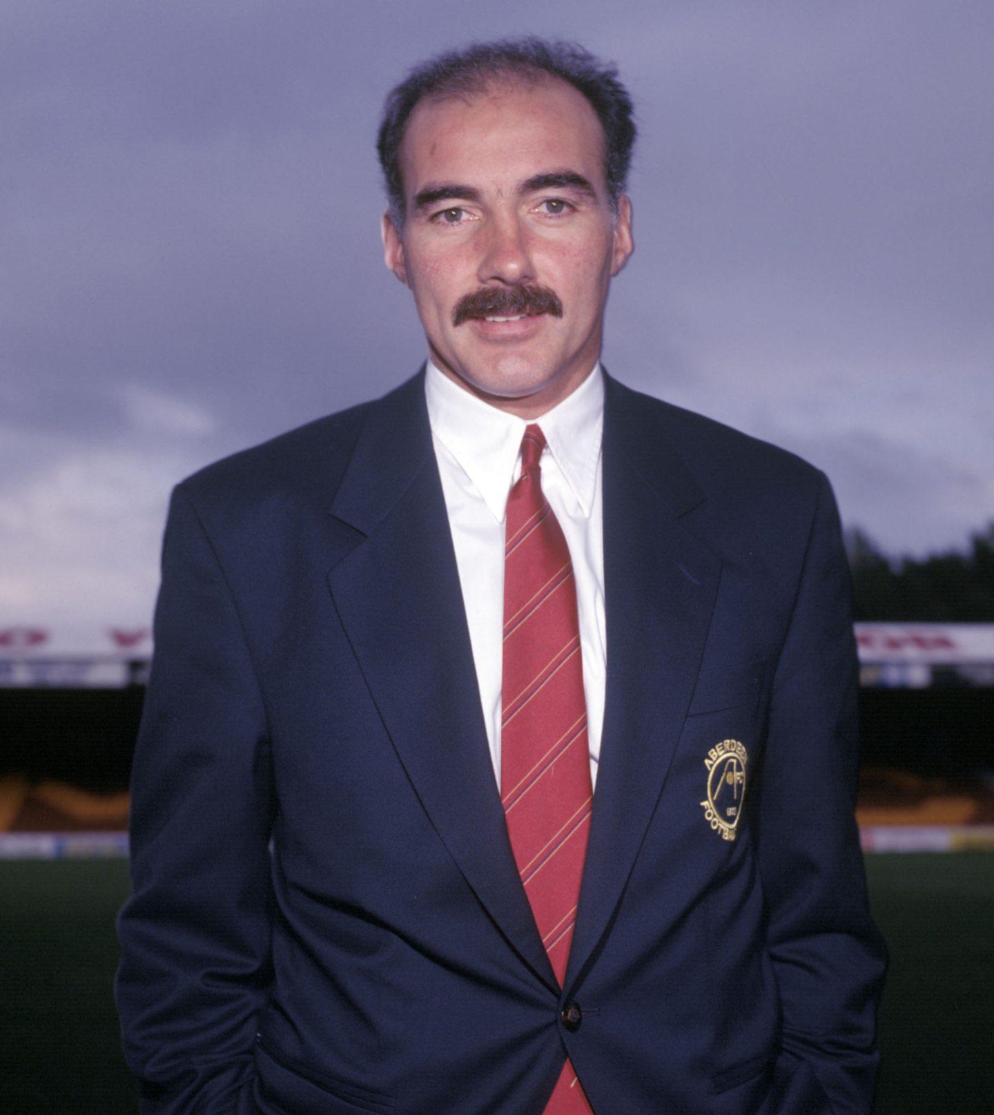 Willie Miller replaced Alex Smith as Aberdeen boss.