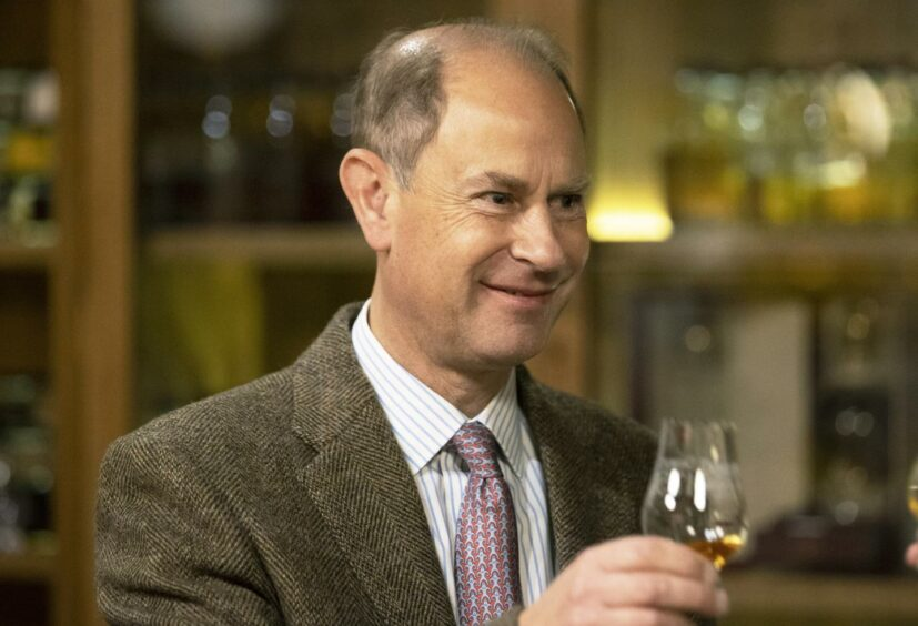 The Earl of Forfar enjoyed a dram during a visit to Aberfeldy Distillery.