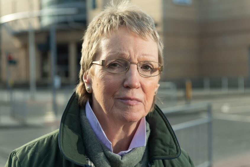 Janet Campbell comments on Dalneigh school petition