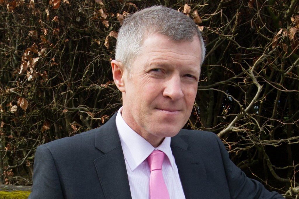 Willie Rennie has said Liberal Democrat councillors can make deals with other parties where in the best interests of their local areas.