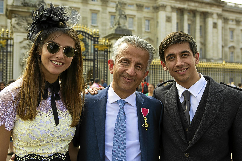Marathon runner Vanita Nathwani with her father Professor Dilip Nathwani and brother Rajiv
