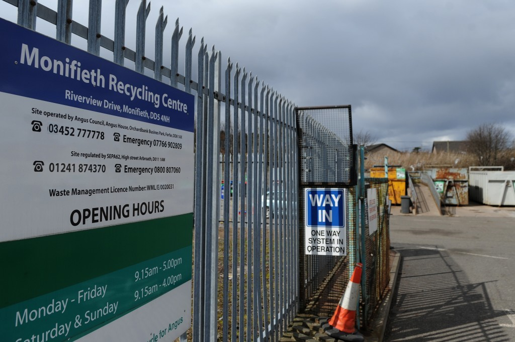 Kim Cessford, The Courier - 07.04.16 - pictured is one of the closure threatened recycling centres in Angus - the Monifieth Recycling Centre, Riverview Drive, Monifieth