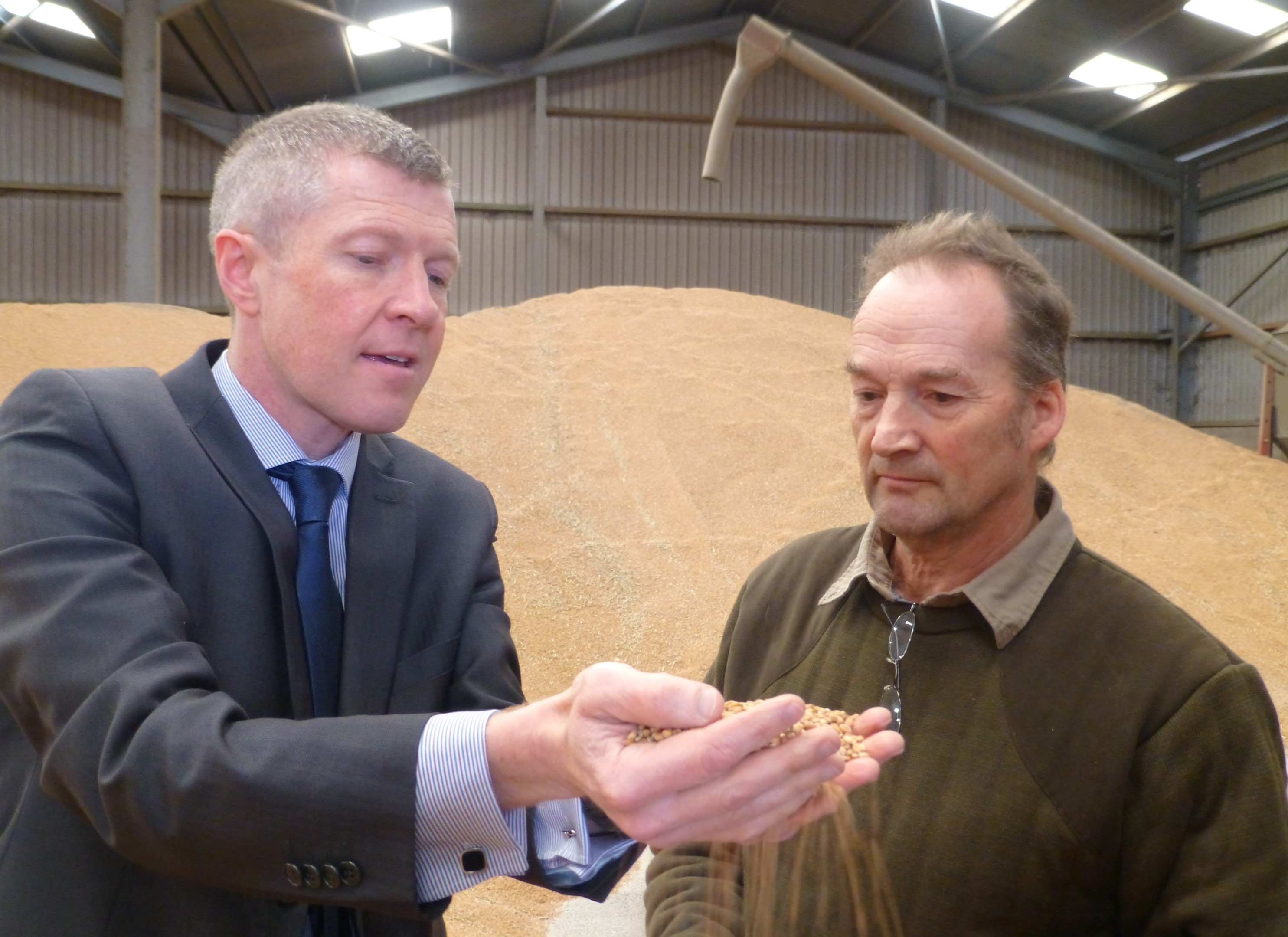 Willie Rennie visited Muirhead of Pitcullo farm