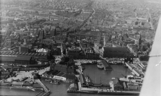 The Courier looks back at the changing face of Dundees waterfront. Dundee waterfront 1955.