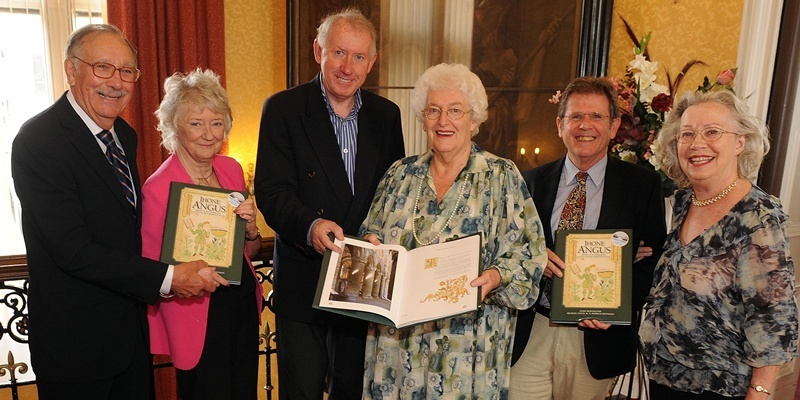 Clive Willcocks (Editor), Dr Pat Dennison, Prof. Michael Lynch, Margaret Dean, Dr Jamie Reid-Baxter and Yvonne Willcocks with the book