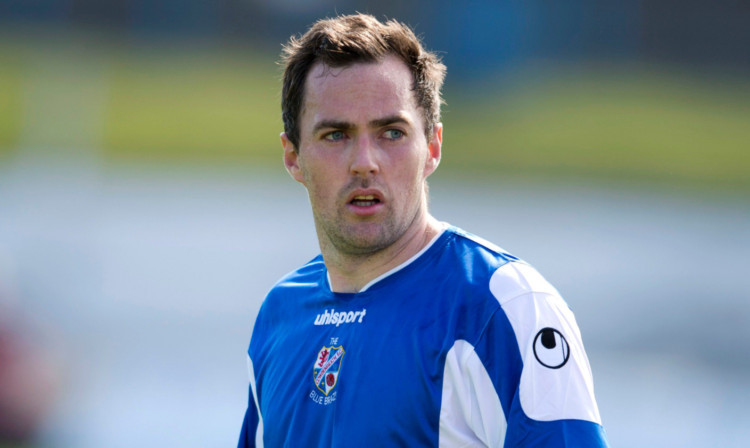 Jamie Stevenson in action for Cowdenbeath.