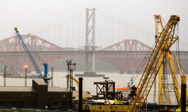 Rosyth dockyard could be at risk of closure, according to the report