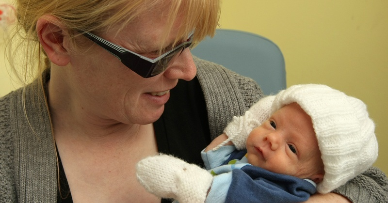Kim Cessford, Courier - 22.10.10 - story on the importance of breast milk and premature babies - pictured are mum Heather Esplin and baby Owen - words from Maura