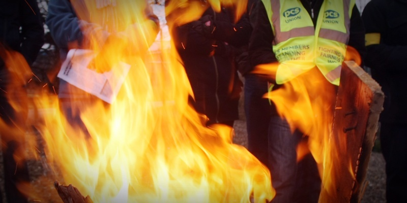 Stirke by public sector workers.   Pickets turn up the heat on the government at the Works and Pensions offices, Claverhouse, Dundee.
