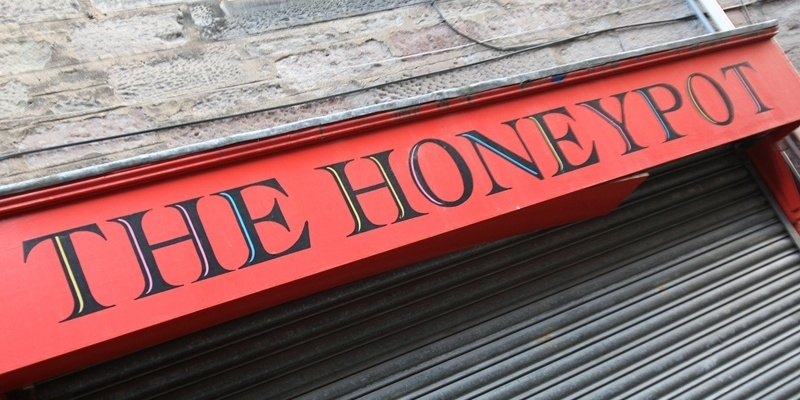 Kris Miller, Courier, 24/10/11. Picture today shows the Honey Pot cafe in Fleshers Vennel, Perth which is to close.