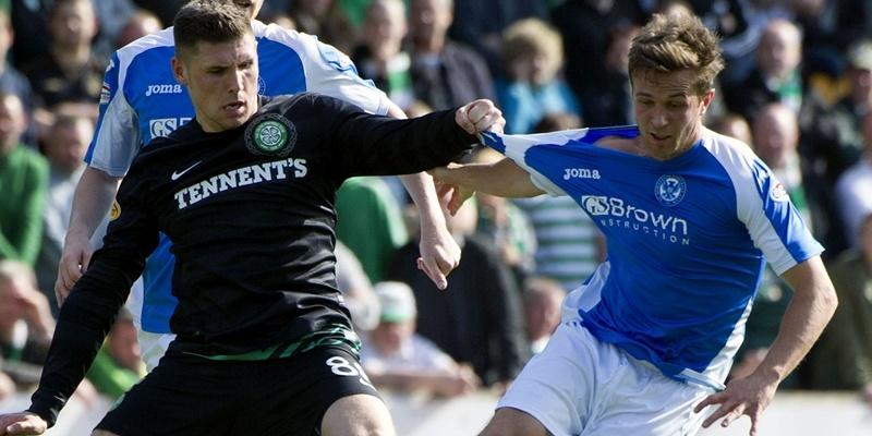 15/09/12 CLYDESDALE BANK PREMIER LEAGUE ST JOHNSTONE v CELTIC (2-1) MCDIARMID PARK - PERTH Celtic's Gary Hooper grabs the shirt of Chris Millar (right)