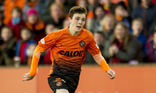 Andy Robertson in action for Dundee United.