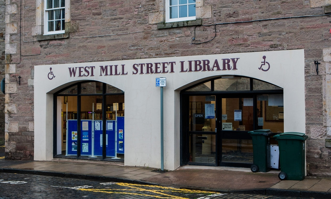 Steve MacDougall, Courier, West Mill Street Library, Mill Street, Perth. The last day of the library before it closes for good. Pictured, exterior general view.
