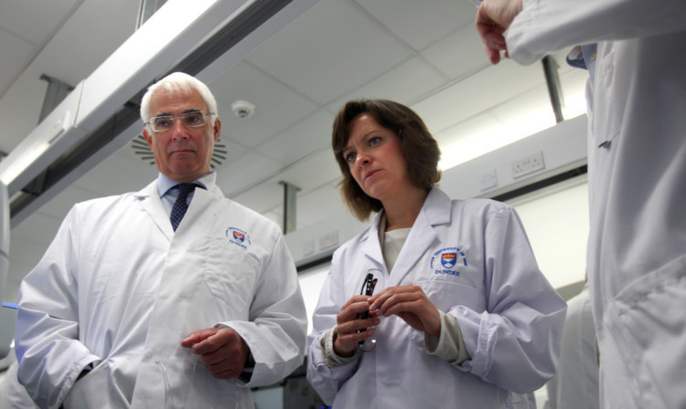 Alistair Darling, of Better Together, and MSP Jenny Marra at Dundee University Life Sciences buildings.