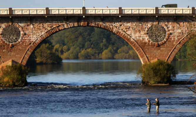 Salmon fishing on the Tay at Perth.