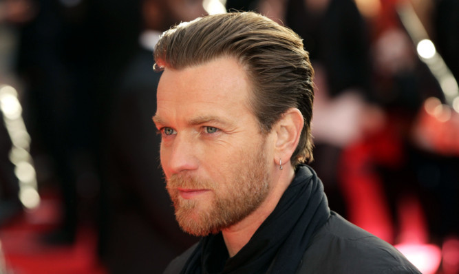 Ewan McGregor arriving for the UK premiere of Salmon Fishing In The Yemen, at ODEON Kensington, Kensington High Street in west London. PRESS ASSOCIATION Photo. Picture date: Tuesday April 10, 2012. Photo credit should read: Yui Mok/PA Wire