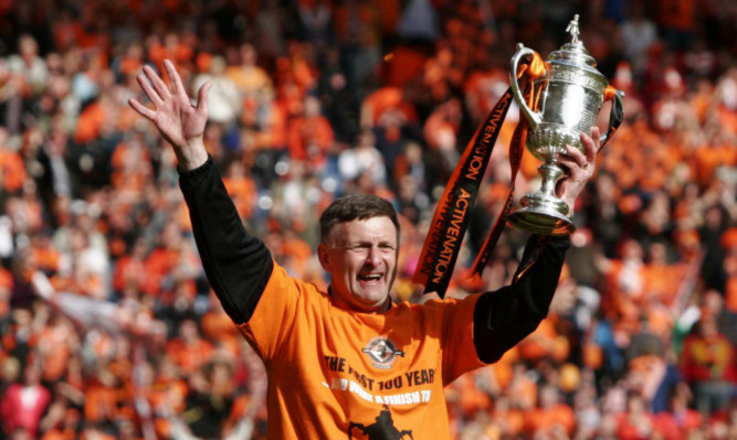 Paul Hegarty celebrating Dundee United's Scottish Cup victory in 2010.