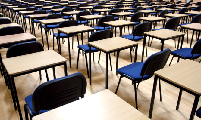 Kris Miller, Courier, 22/04/13. Picture today shows desks lined up for exams, GCSE's, Highers, O'levels in Morgan today. For files.