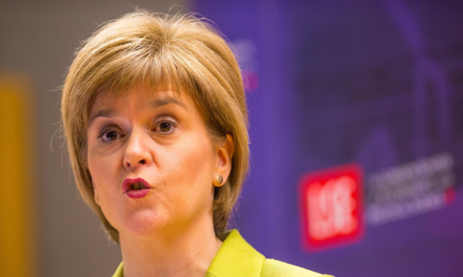 Nicola Sturgeon advised voters in England to back the Green Party during a speech at LSE.