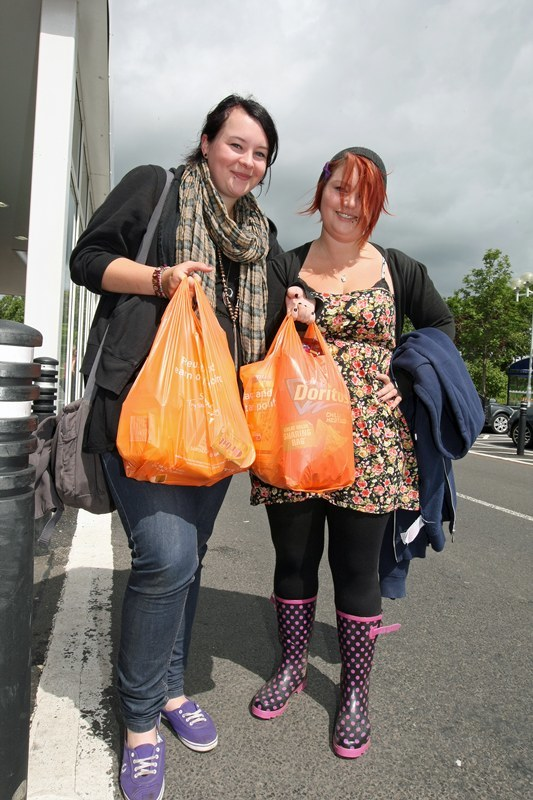 Kim Cessford, Courier - 08.07.10 - in Kinross - words from Kirsten in Perth - pictured getting some supplies are Linzi Porter and Tish Scripps